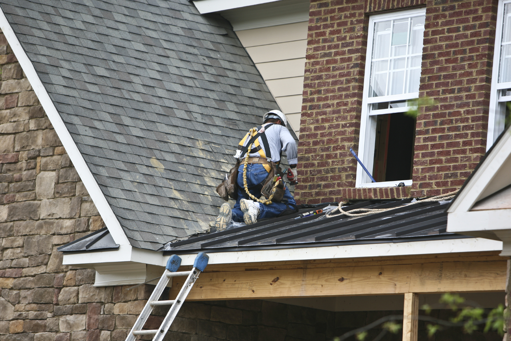 What Questions Should You Ask A Roofing Contractor Before Hiring Roofing Services?